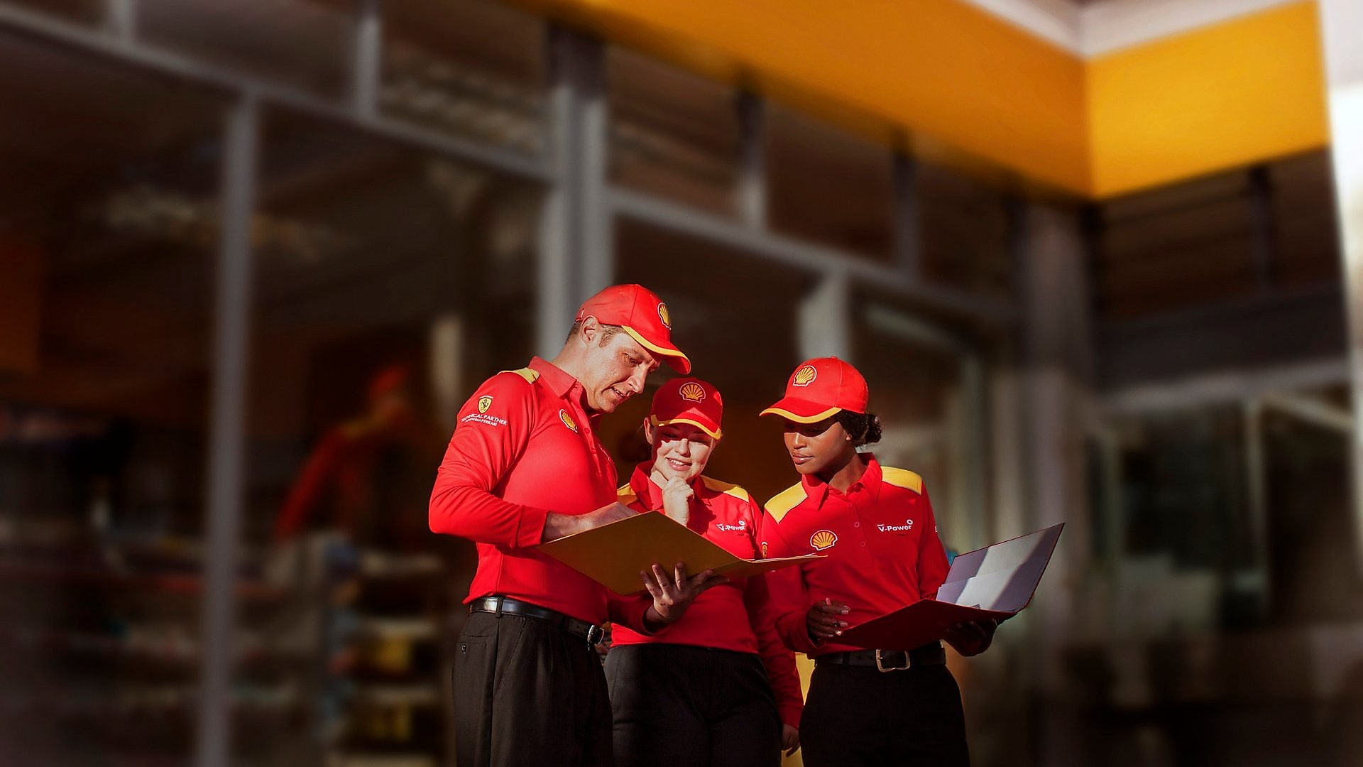 Current or former Shell employee, contractor or dependent